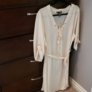 ⭐HP⭐ Boutique tie front belted tunic dress